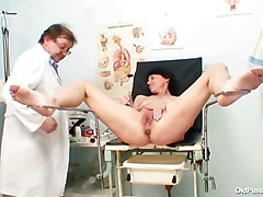Doctor, Gyno, Milf, Spread babe in gyno chair vibes her pussy and machine fucked