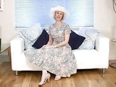 Housewife, Wife, Mature, Emma starr housewife 1 on 1